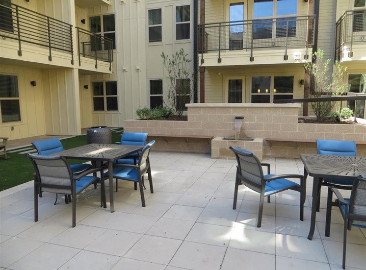 Outdoor Common Area, Discovery at the Realm (Castle Hills), 75056