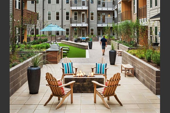 Discovery Castle Hills Apartments