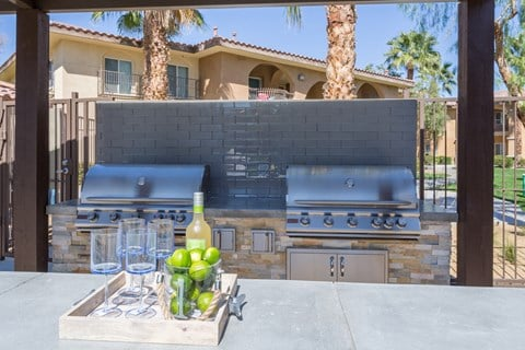Medici Apartment Homes Lifestyle - BBQ
