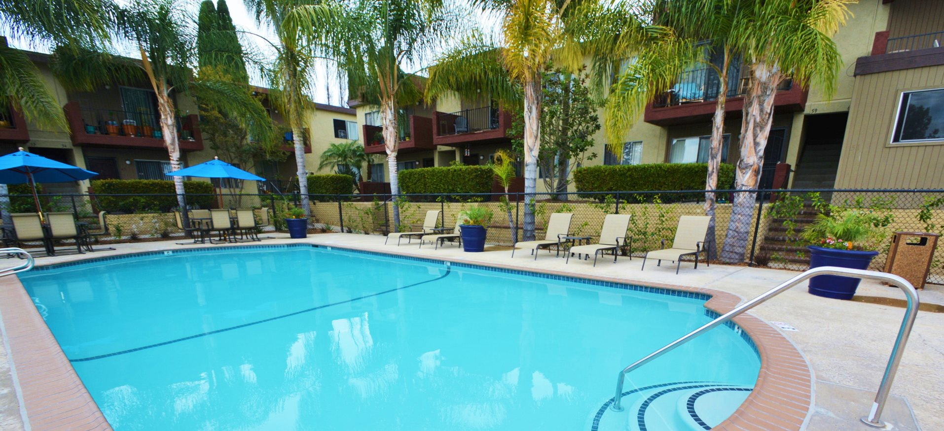 Mesa Vista Apartment Homes Lifestyle - Pool