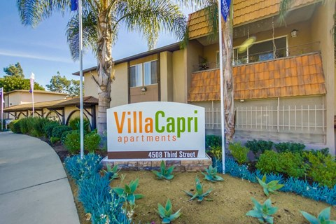 Villa Capri Apartments Exterior Front Sign