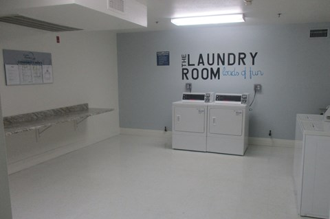 Casa Pacifica Senior Apartment Homes Lifestyle - Laundry Room