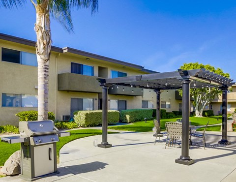 Cypress Park Apartments Lifestyle - Outdoor Lounge & BBQ