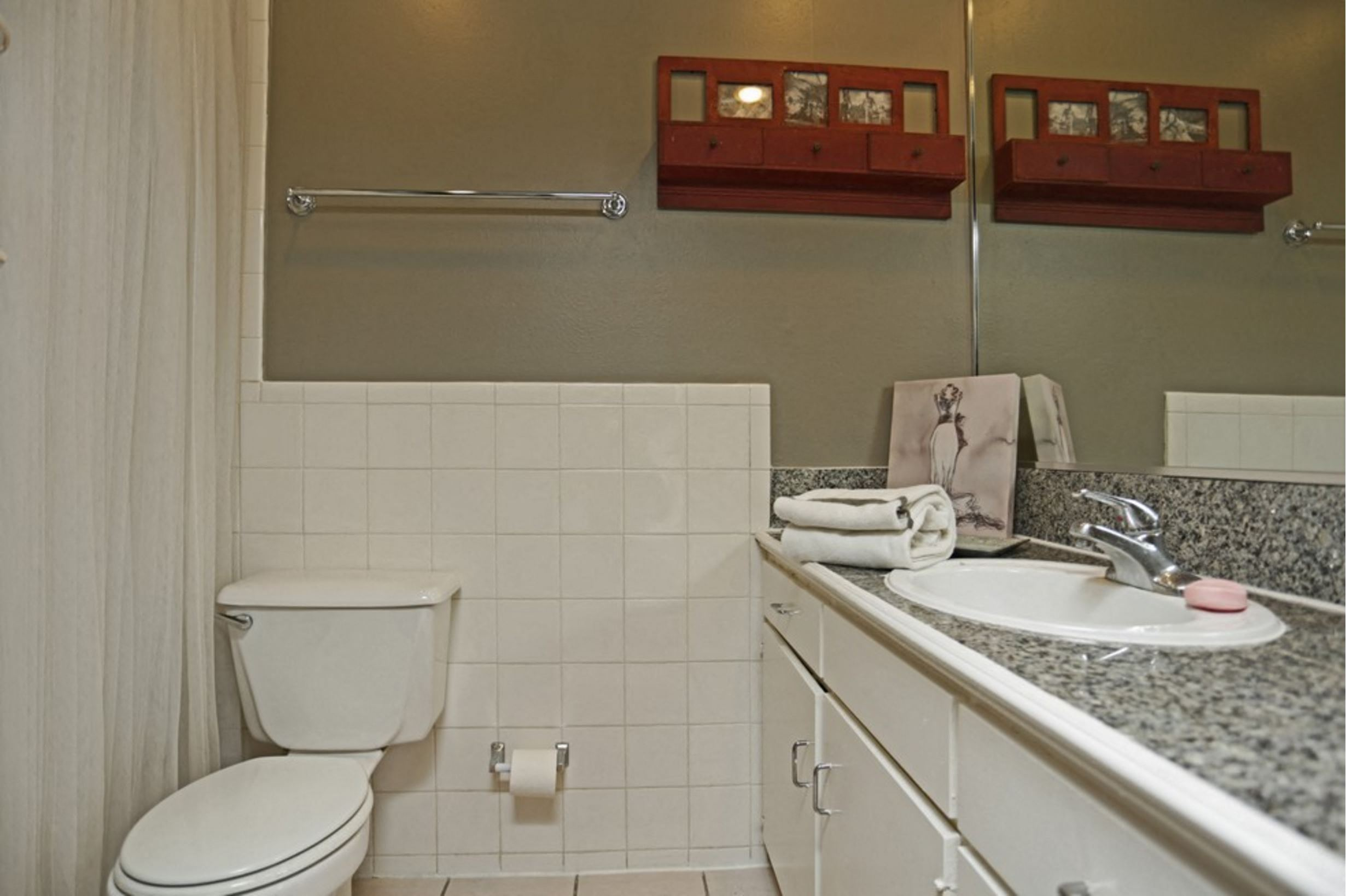 5400 Live Oak LE PARC - TAYRONA lower level (2 Bed - 2 Bath - Half Bath)