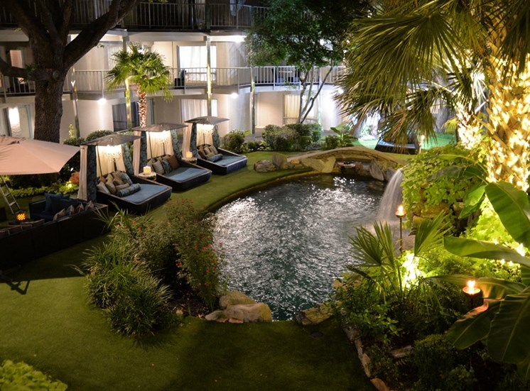5400 Live Oak  - LE PARC Courtyard at night