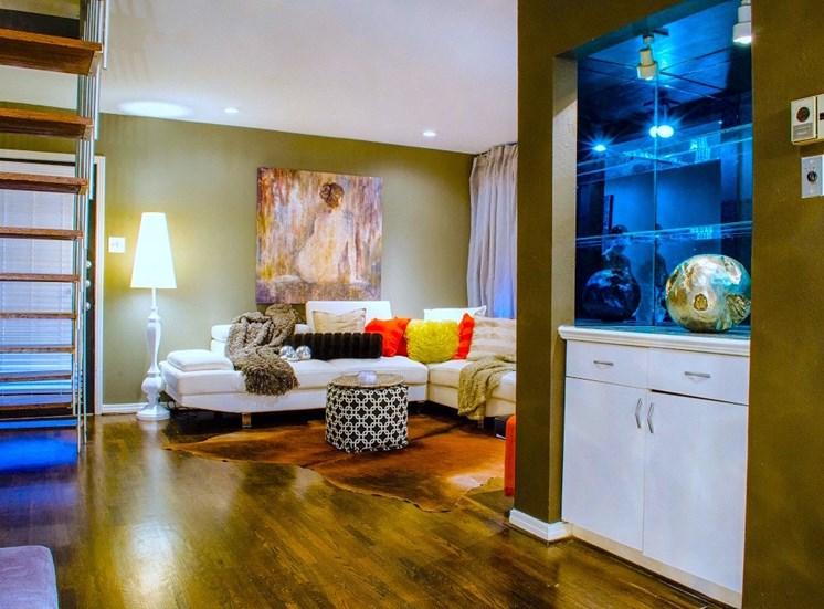 5400 Live Oak Le Parc Living Room