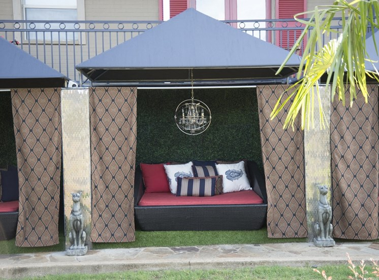 7130 Gaston - VERANDAH BUNGALOWS dog park cabana