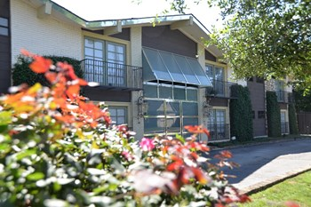 1001 Grigsby Avenue 1-2 Beds Apartment for Rent Photo Gallery 1