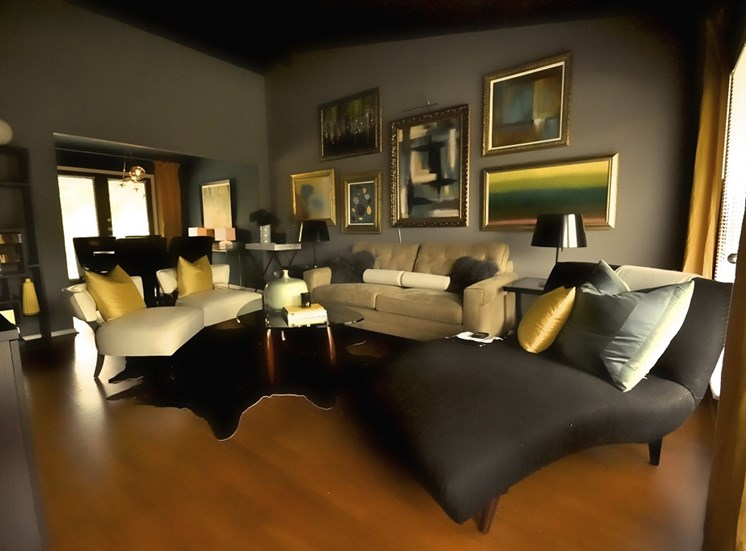 5727 Gaston - STARDUST - CHAPLIN Living Room