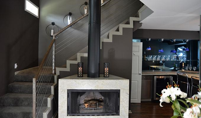 6011 Gaston - FOX TROTT Loft  Fireplace