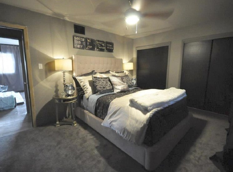 5601 Gaston - LONDON - ABBY Bedroom