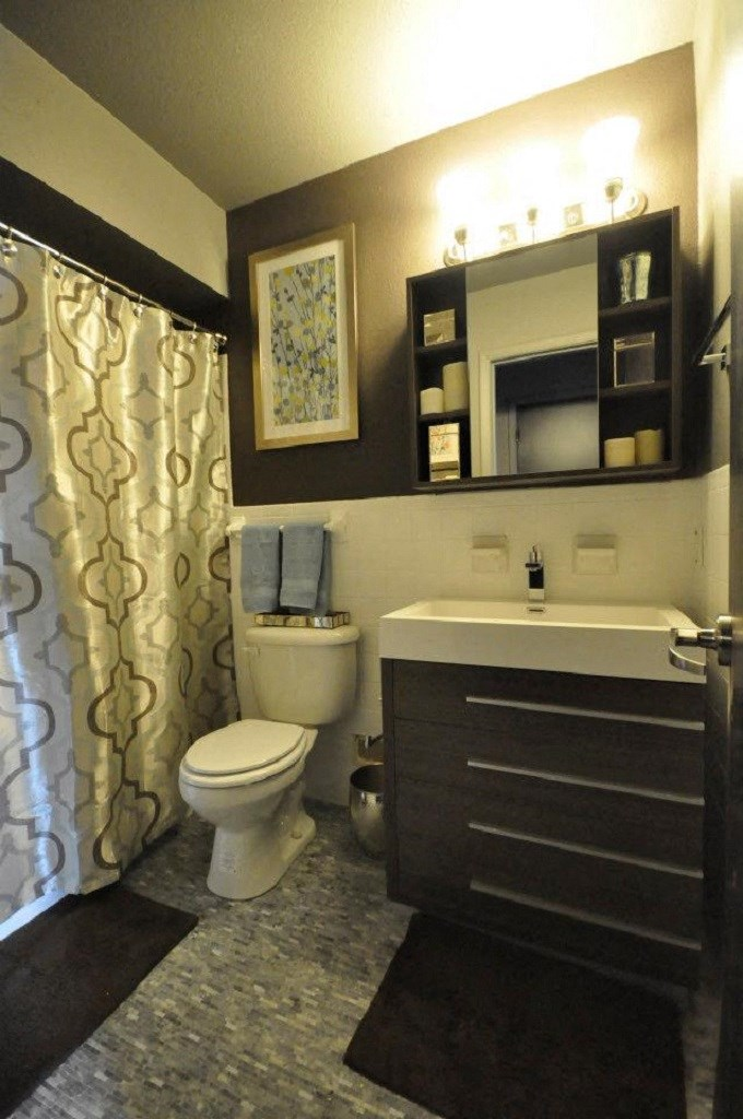 5601 Gaston - LONDON - ABBY Full Bath