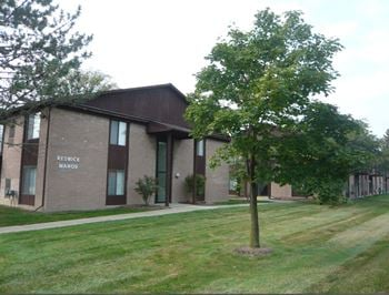 16099 W 11 Mile Road, 1 Bed Apartment for Rent Photo Gallery 1