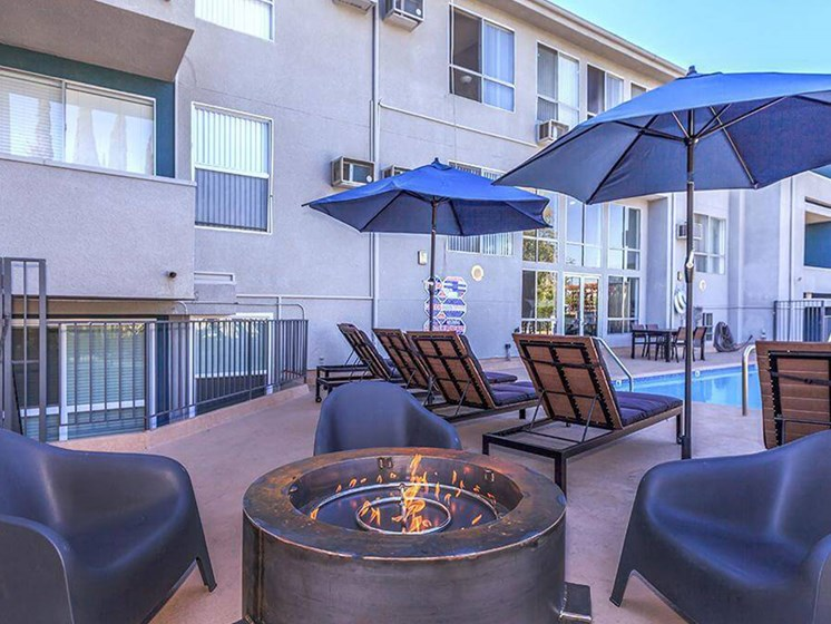 Spacious, Landscaped Patio and Private Courtyard at Oxnard Plaza, North Hollywood, 91606