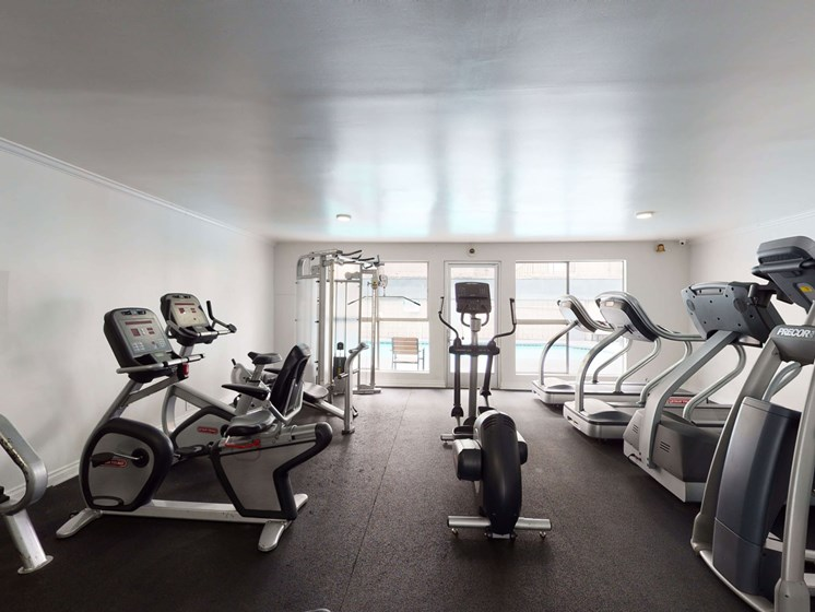 Cardio Machines In Gym at Chateau La Fayette, California, 90057
