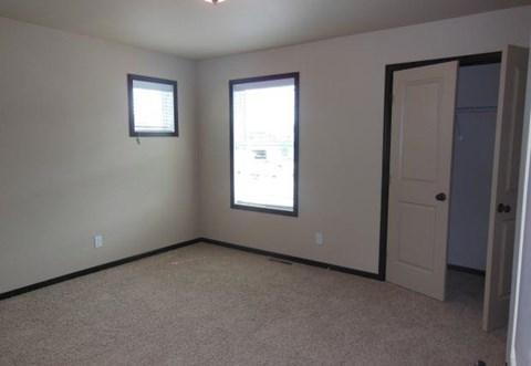 bedroom, closet