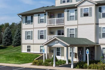 700-01 Vista Drive 2 Beds Apartment for Rent Photo Gallery 1