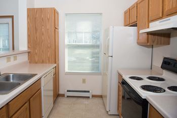 3218 Village Lane 1-2 Beds Apartment for Rent Photo Gallery 1