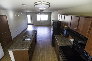 123 Jefferson Street 3 Beds Apartment for Rent Photo Gallery 1