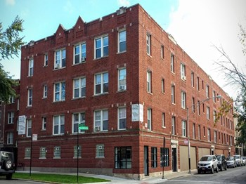 1373-83 W. Greenleaf 1-2 Beds Apartment for Rent Photo Gallery 1