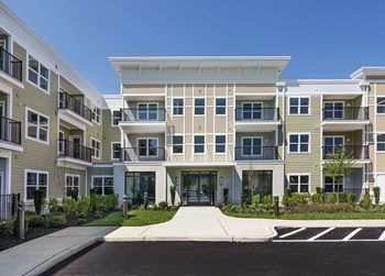 100 Shoal Harbor Court 1-2 Beds Apartment for Rent Photo Gallery 1