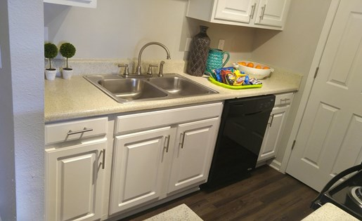 Fully-Equipped Kitchen with dishwasher and pantry