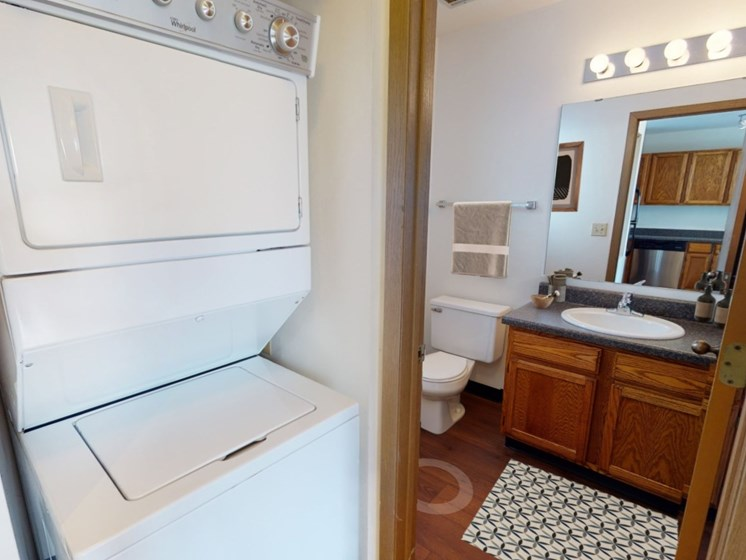 Teton townhomes include a washer/dryer and 2.5 bathrooms