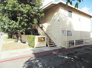 518-530 Anna Dr. 1-2 Beds Apartment for Rent Photo Gallery 1