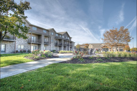 Lakeview Park Apartments 510 Surfside Drive Lincoln Ne Rentcaf