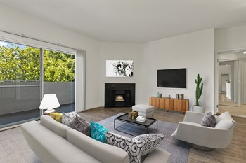 2104 N Cahuenga Blvd 2 Beds Apartment for Rent Photo Gallery 1
