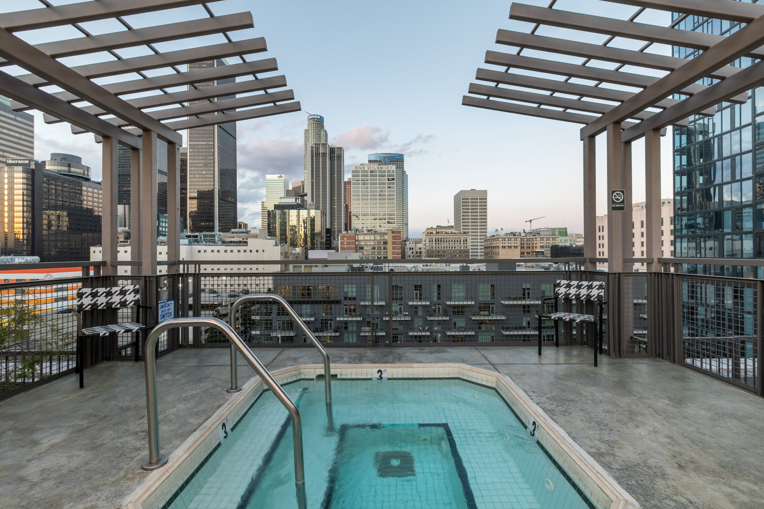 Rooftop Spa at South Park Lofts 818 S Grand Ave, Los Angeles, CA 90017