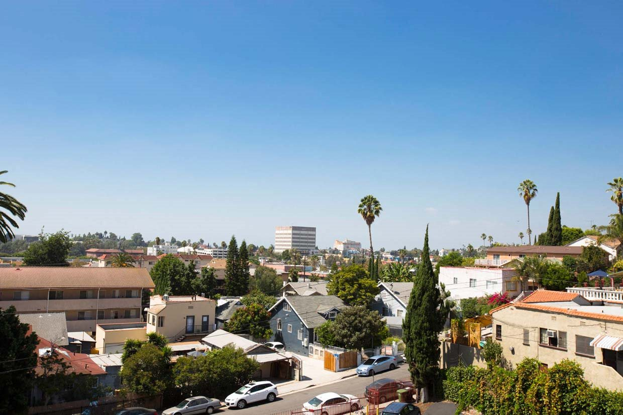 Community views at Del Mor Apartments in Los Angeles, CA 90026