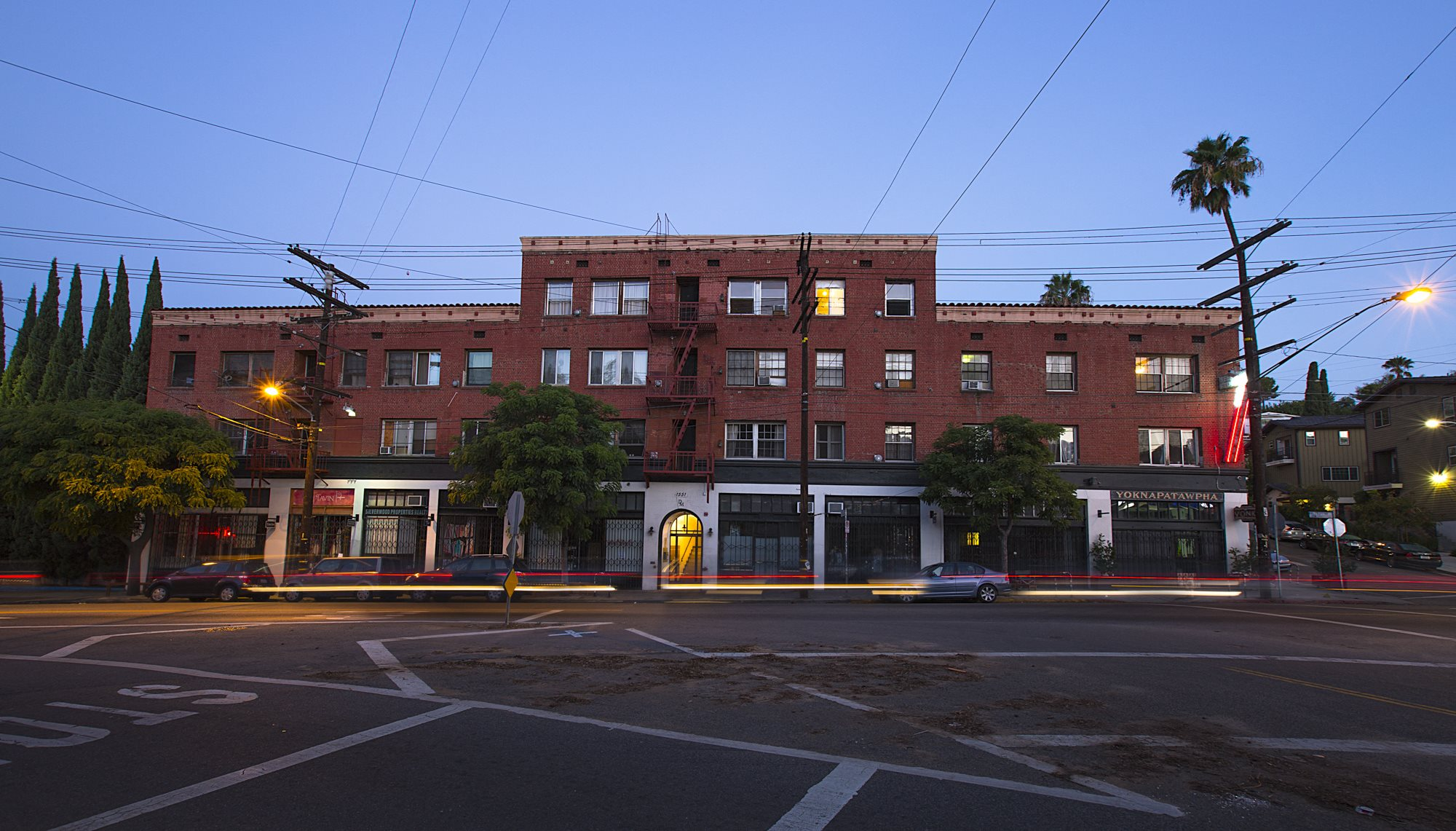 Front of building at Del Mor Apartments in Echo Park, Los Angeles, CA 90026