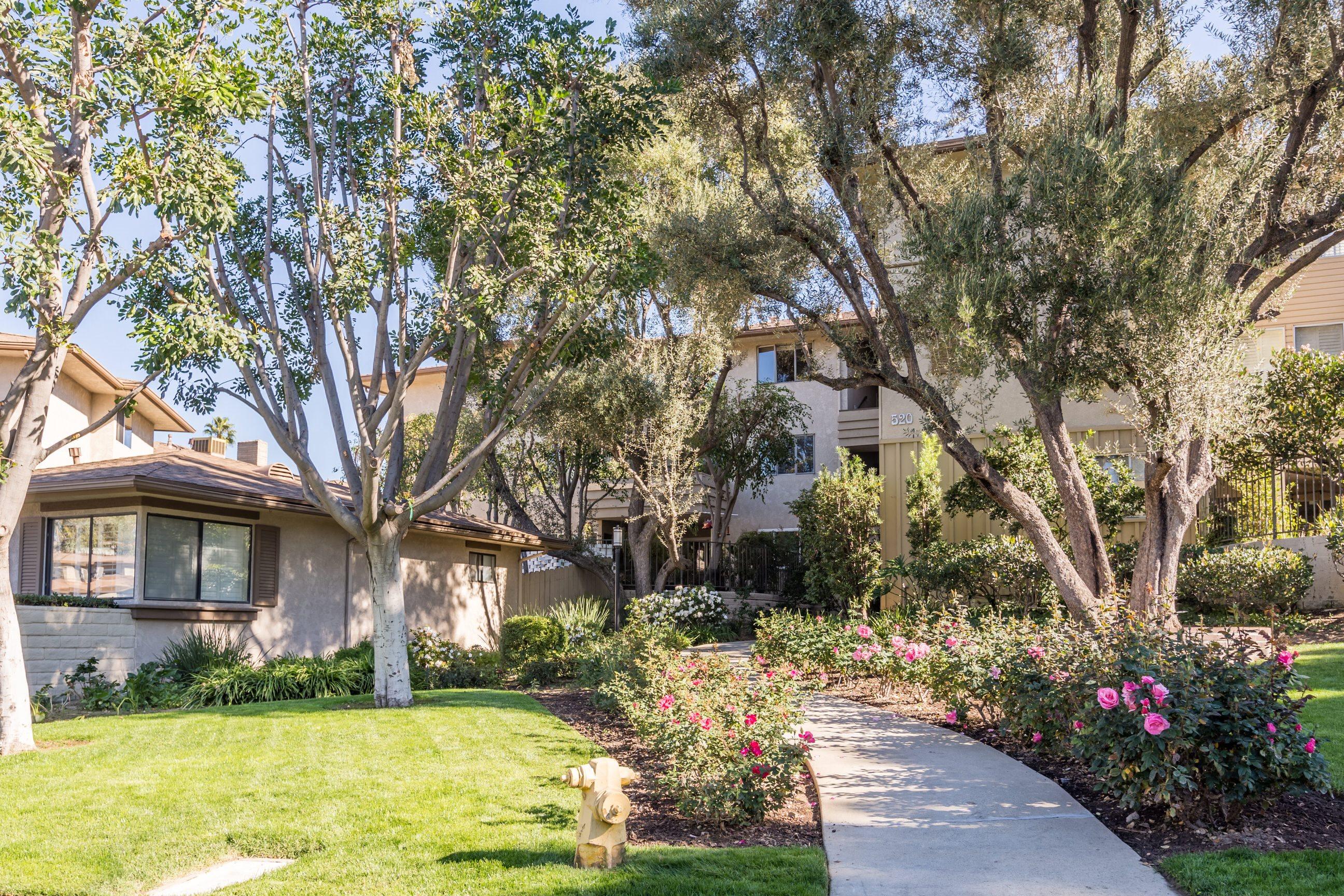 Orange Grove Circle Apartments in Pasadena, CA