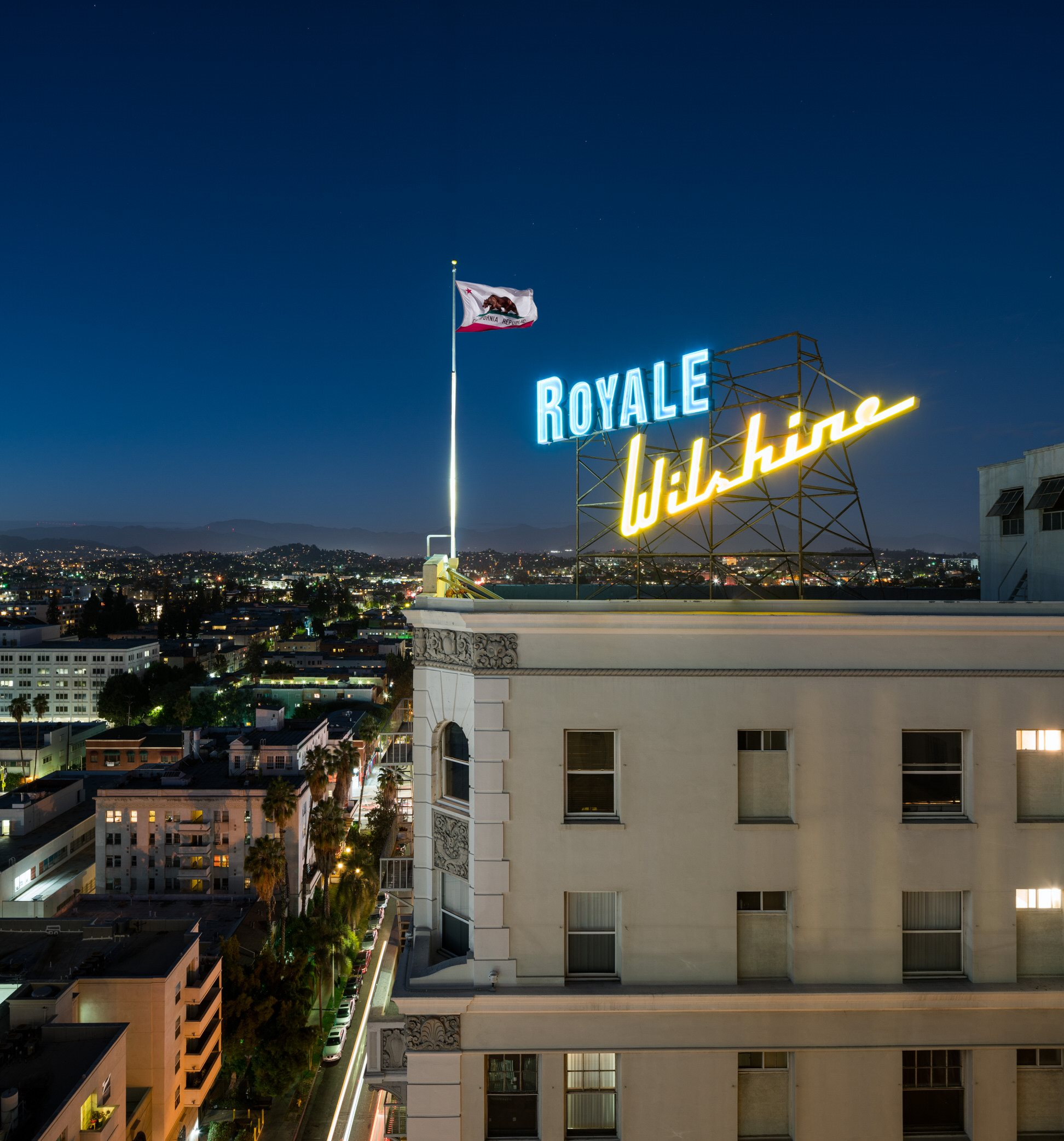 Exterior Photo of Wilshire Royale Apartments, 2619 Wilshire Blvd, Los Angeles, CA 90057