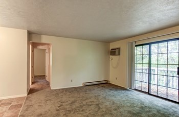 4061-4091 Tangle Court Dr. SE 1-2 Beds Apartment for Rent Photo Gallery 1