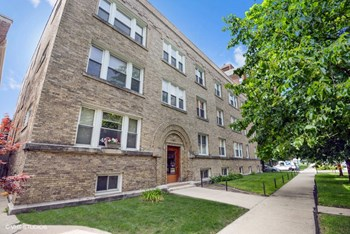 4450-52 N. Winchester Ave. 2-3 Beds Apartment for Rent Photo Gallery 1