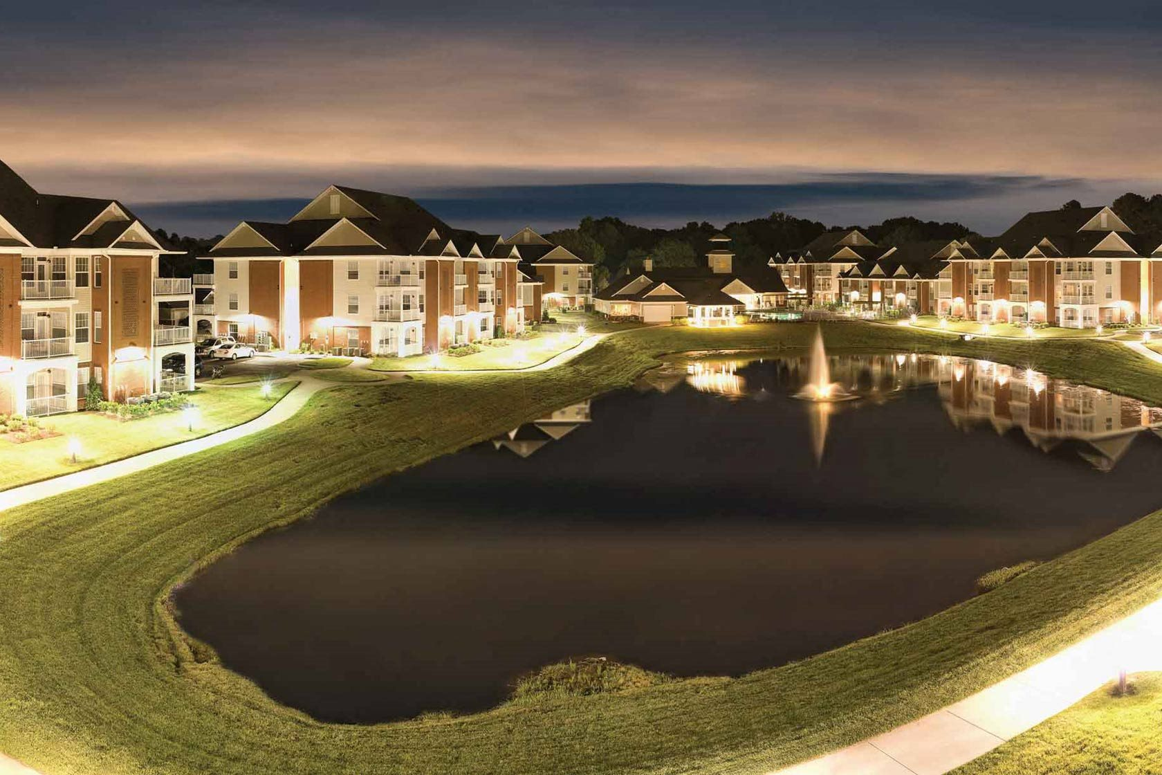 Falcon Creek Apartments in Hampton VA, 1 & 2 Bed Luxury Apartments
