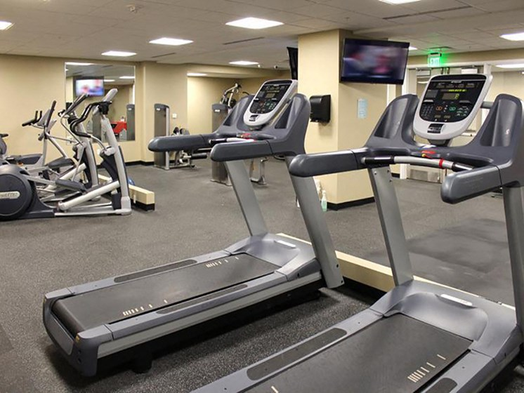 Fitness Center Access at Residences At 1717, Cleveland, 44114