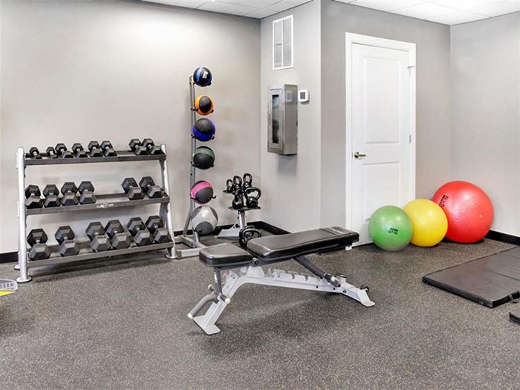 Fitness Center With Modern Equipment at The Residences At Hanna, Ohio, 44115
