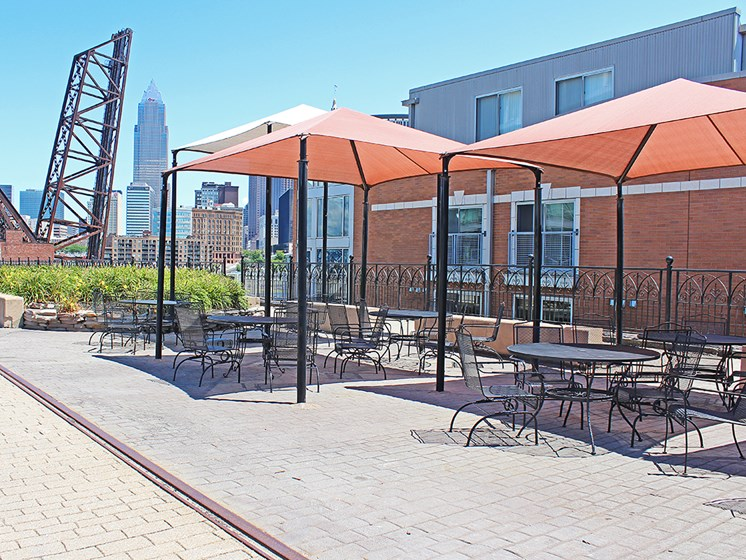 Picnic Area With Grilling Facility at Stonebridge Waterfront, Cleveland, 44113