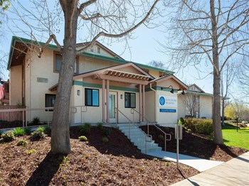 4036 Cedarhurst Drive 1-2 Beds Apartment for Rent Photo Gallery 1
