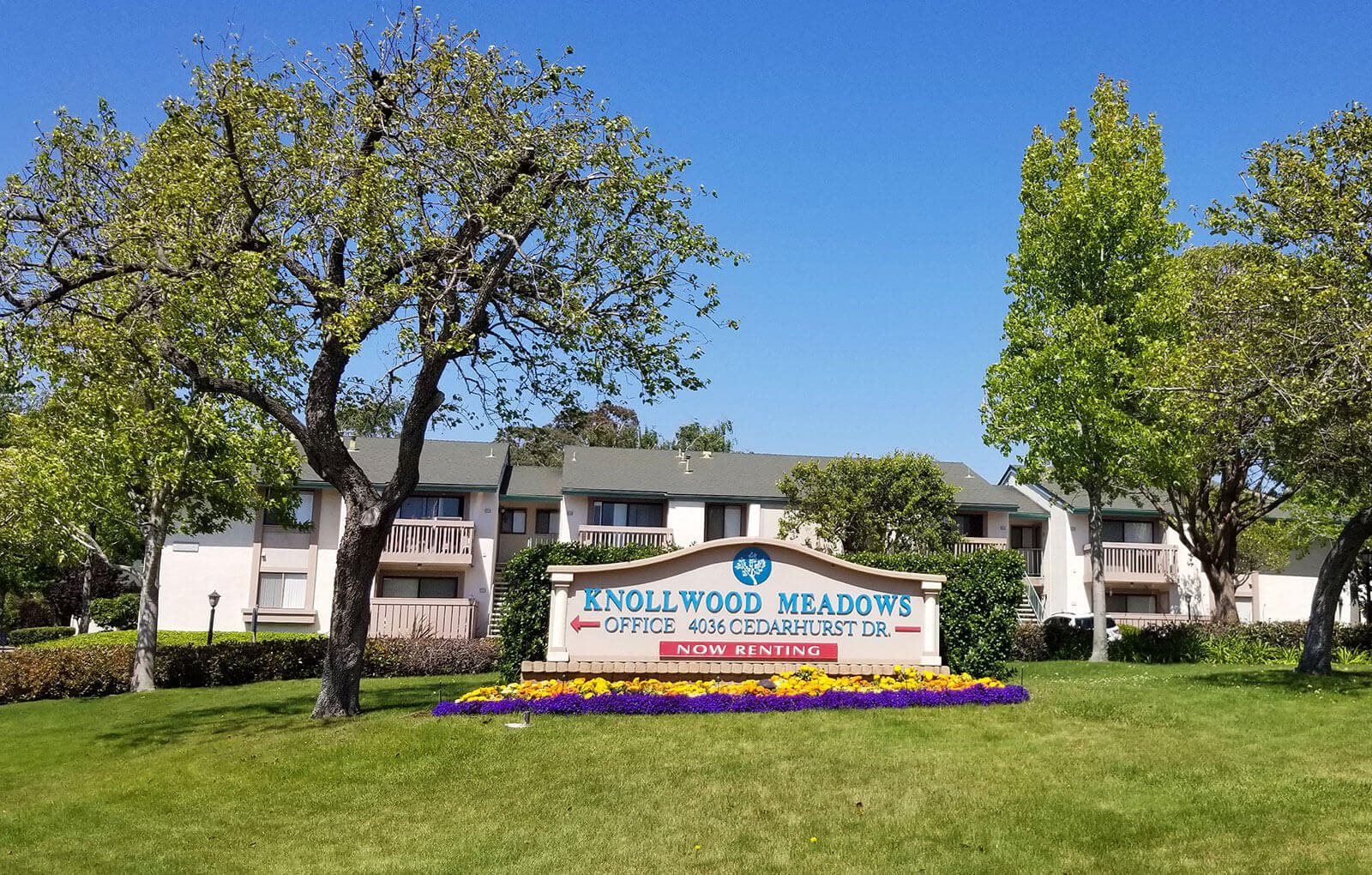 Appearance Of Main Entry at Knollwood Meadows Apartments, California, 93455