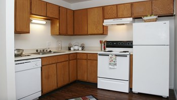 2925 TREMONT ST 1-2 Beds Apartment for Rent Photo Gallery 1