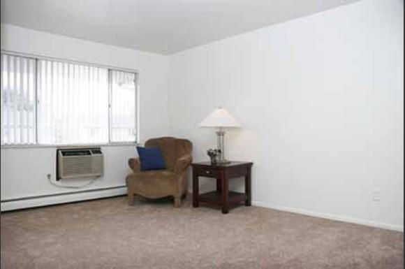 Hyde Park North Apartments 2925 Tremont St Colorado Springs Co Rentcaf
