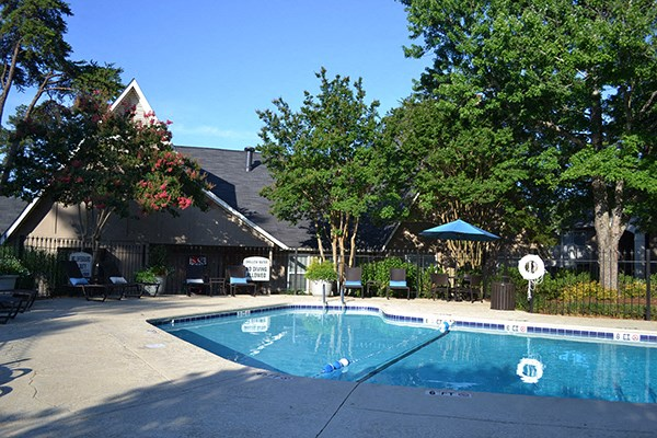 greenville, sc, rentals, apartments, townhomes, 2 pools, swimming pool, sundeck