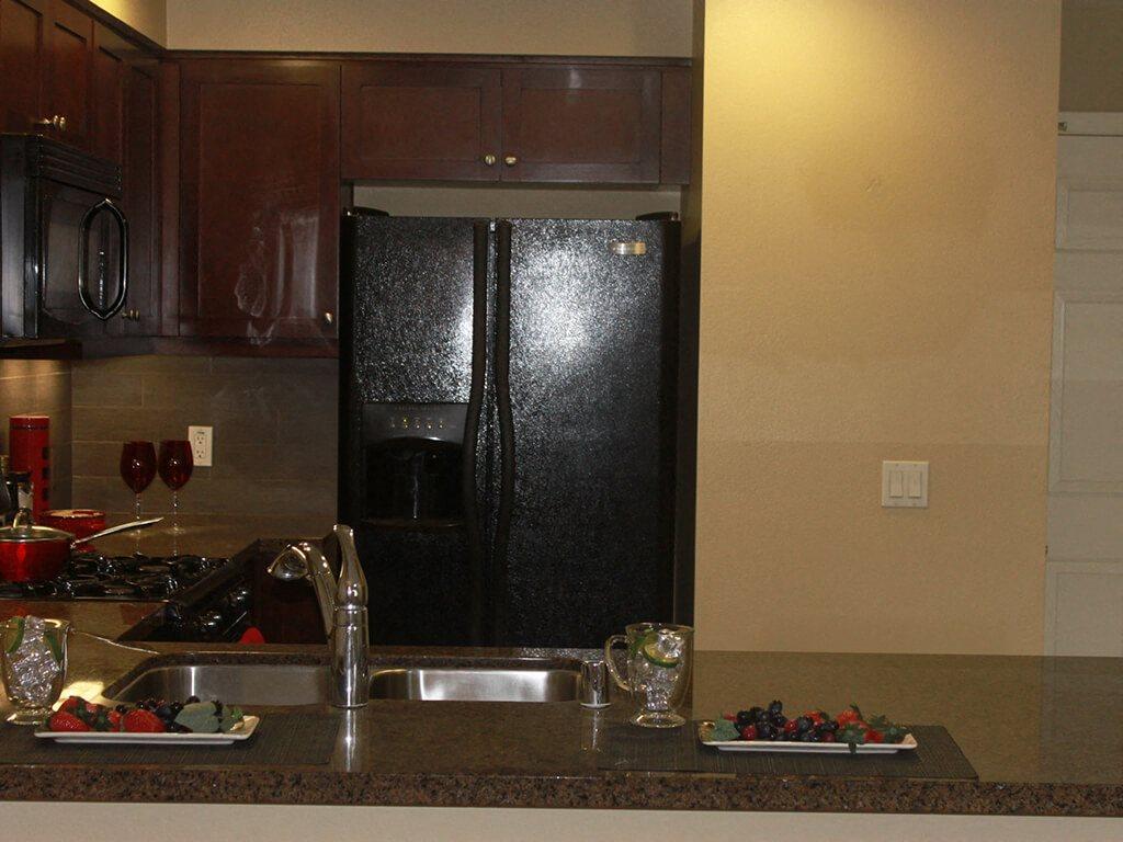 Modern Kitchen with Dark Color Pattern