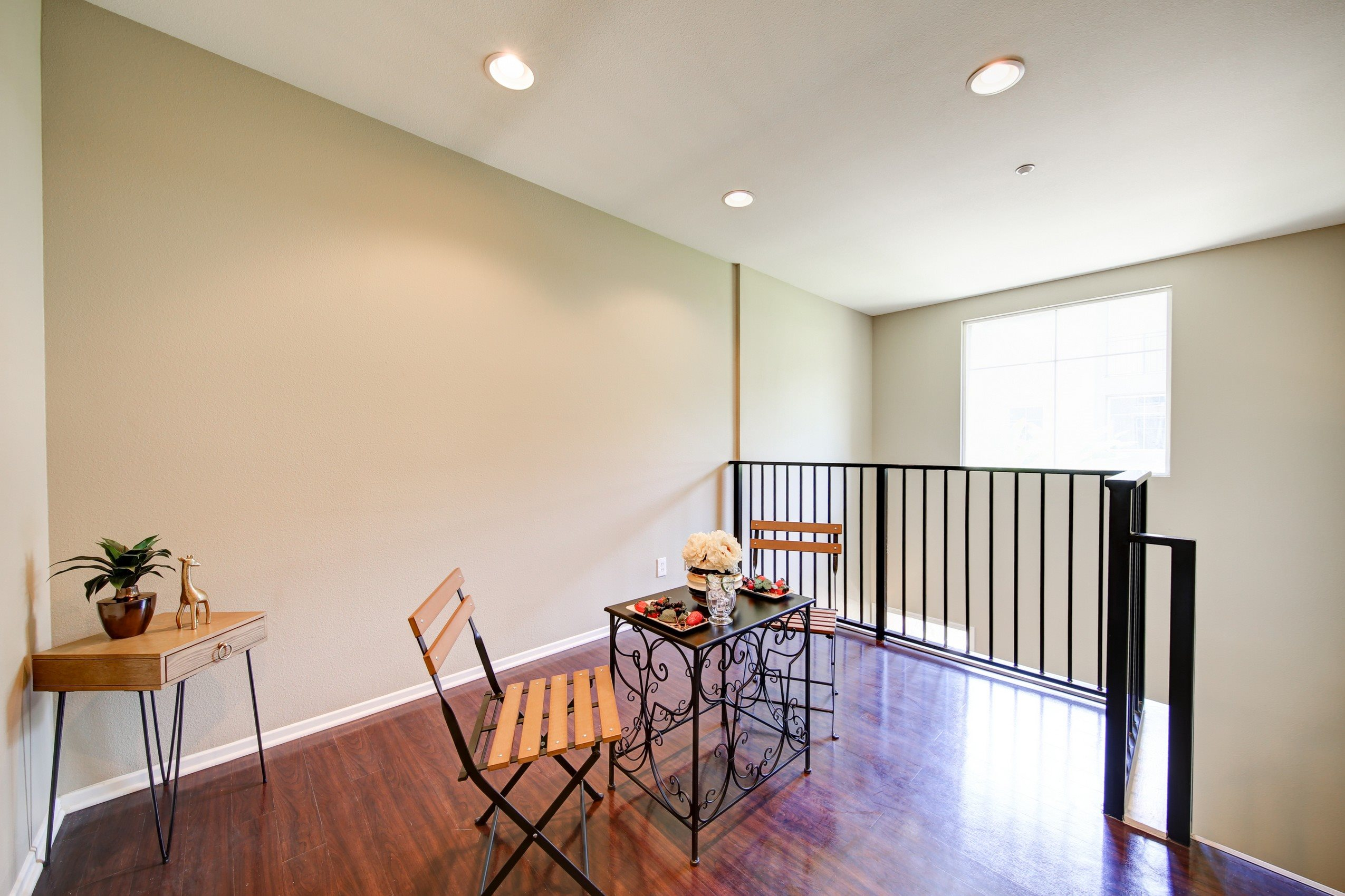 Hardwood Floors at Ontario Town Square Townhomes, Ontario, California