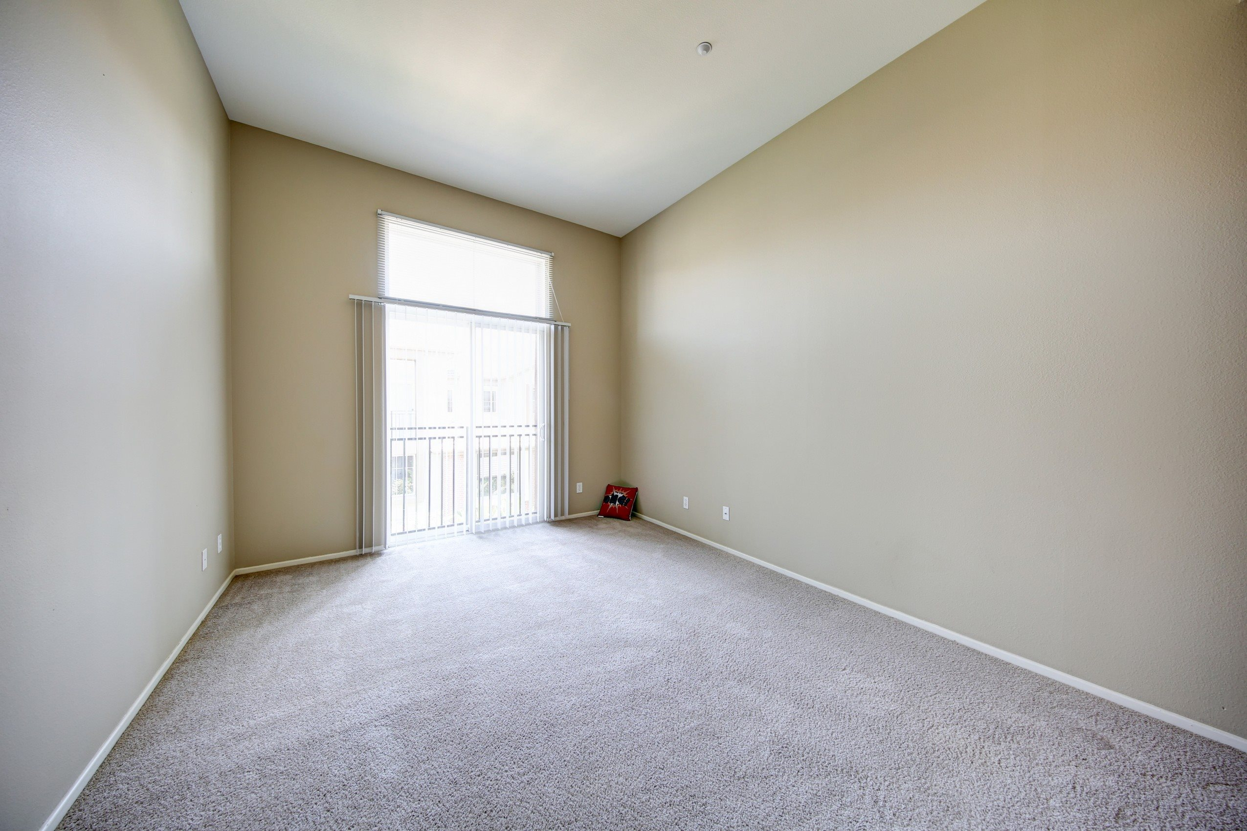 Plush Carpeting in Living Rooms at Ontario Town Square Townhomes, California, 91764