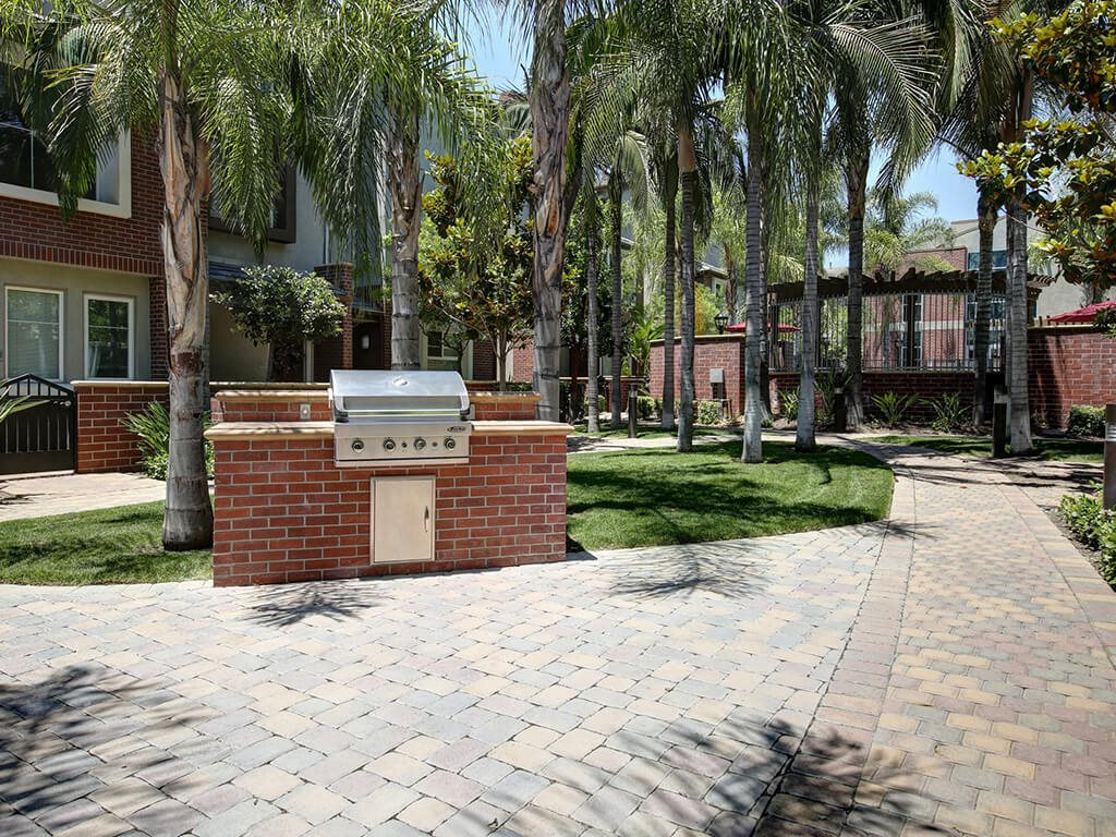 Picnic and BBQ Area at Ontario Town Square Townhomes, CA, 91764